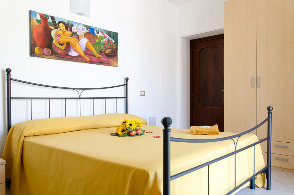 /public/upload/FotoAppId_2/big/05-girasole-camera-letto.jpg