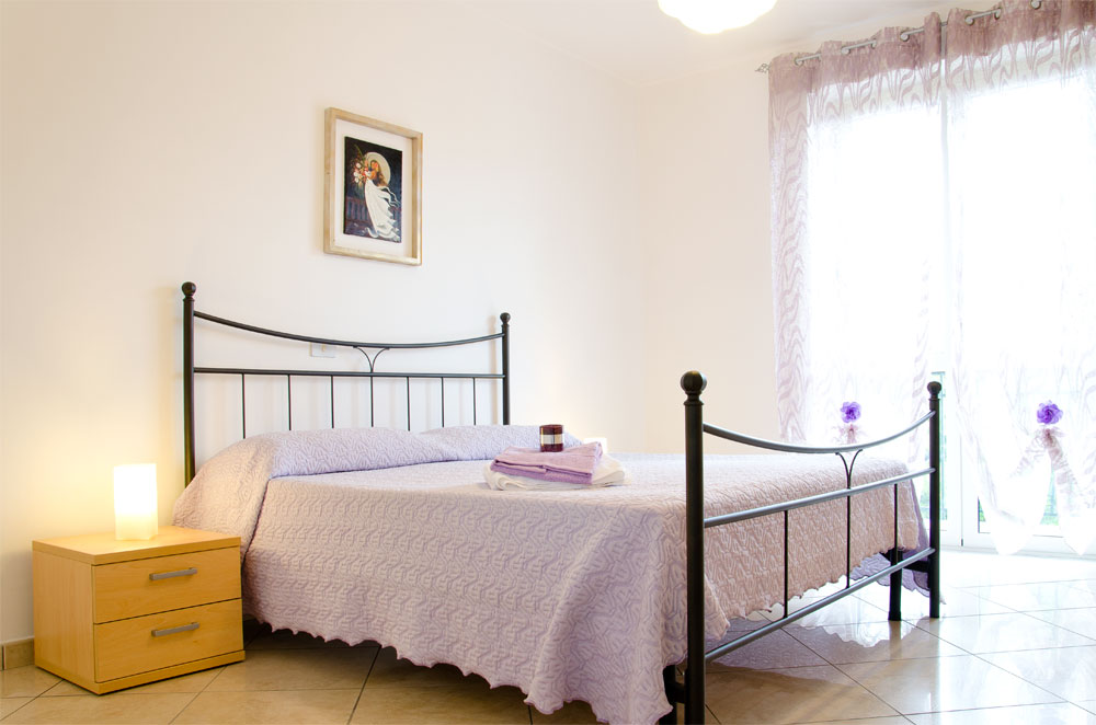 /public/upload/FotoAppId_4/big/03-glicine-camera-letto-1.jpg
